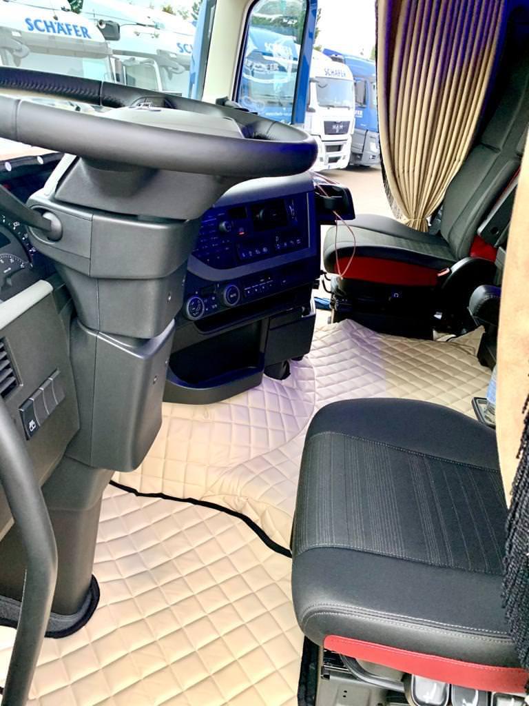 schaefer-transporte_unsere-neuen-lng-zugmaschinen